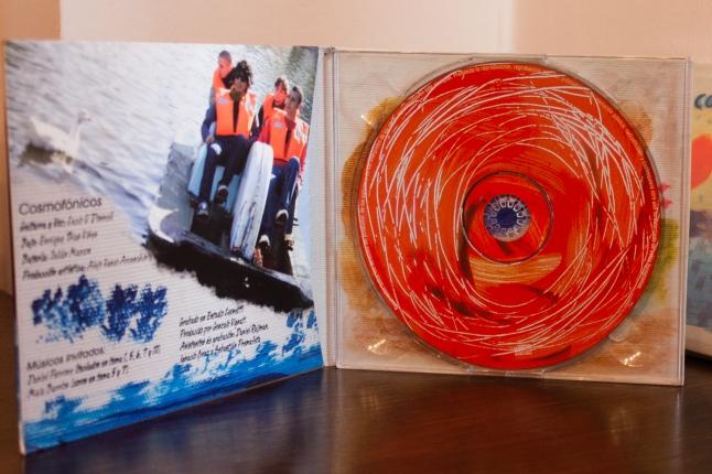 Arte de CD Cosmofonico, interior.